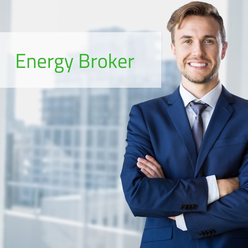 energy broker con braccia incrociate